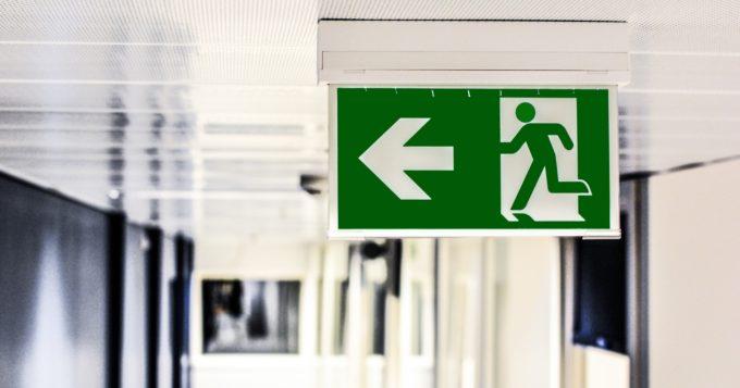 Bądź gotów! - znak ewakuacyjny exit